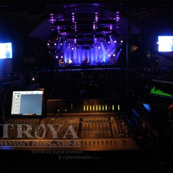 renta de consolas sistemas de audio line array